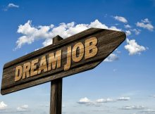 भारत में 10 सबसे ज्यादा पैसा देने वाली नौकरियां - एक नज़र
